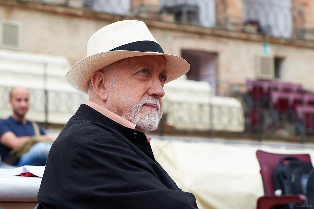 Pier Luigi Pizzi_regia, scene e costumi